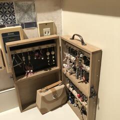 アクセサリー収納/洗面室収納/ヘアアイロン収納/DIY収納/収納/簡単/... 我が家の洗面室ー ここは何故か鏡が2枚あ…(4枚目)