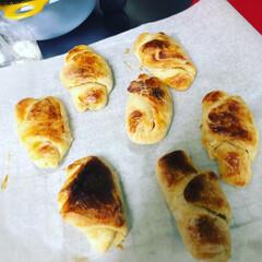 良かった良かった/でも美味しく出来上がった/たまりまくりのパン作り/もう自粛でストレスMAX/ホイロとは最終発酵/ホイロが長すぎた/... 今日は遅めに起きてパン作りしてました 一…