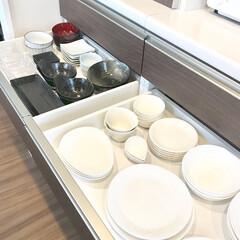 IKEA/ニトリ/洋食用/和食用/食器棚/普段使い食器 わが家の普段使い用の食器です。 食器棚の…(1枚目)