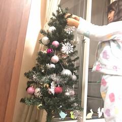 子ども/ダイソー/雑貨/クリスマス 今年は娘がクリスマスツリーを飾り付け。 …