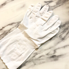 キッチン雑貨/ゴム手袋/おしゃれ/ホワイト キッチンのゴム手袋を買い替えました。 前…