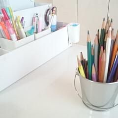 文房具/文房具収納/色鉛筆/片づけ/整理/収納/... 色鉛筆のケースが壊れてしまったので缶に立…