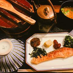 食事情/おでかけ/暮らし/フォロー大歓迎 白米が美味しすぎる。 家の卓上でおひつ出…
