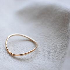シンプル/K18/ゴールド/金/アクセサリー/指輪/... 1.0mmのK18イエローゴールド線を使…