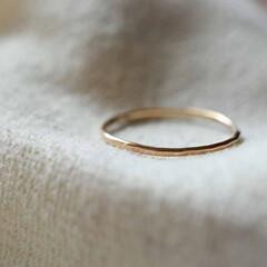 シンプル/ゴールド/金/指輪/リング/K18/... 0.8mmのK18ゴールド線を使用して作…