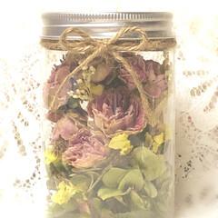 ボトルフラワー/ドライフラワー/ハンドメイド 大切な方から託された 珍しい薔薇の花 ボ…