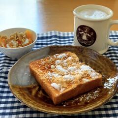 朝ごはん/おうちごはん 朝早く ひとりでこっそり朝ごはん🥣