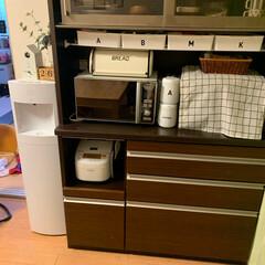 食器棚/突っ張り棒 突っ張り棒でまた収納増やしました