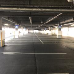 暮らし 火曜日の夕方の姫路の某大手スーパーの駐車…(1枚目)