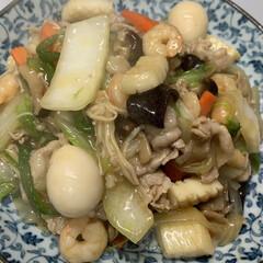 夕飯/ワンタンスープ/かき玉/白ごま/かつお節/ほうれん草/... 昨日の夕飯  八宝菜で 具は 11種。 …(1枚目)