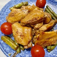 わかめ/木綿豆腐/しめじ/ツナ缶/大根/ミニトマト/... 昨日の夕飯  鶏の手羽元焼き煮  しょう…(1枚目)