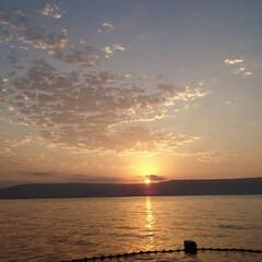 フォロー大歓迎/Instagram/夏の思い出/photography/Photo/自然/... 海の向こうに夕陽が沈んでいきます。