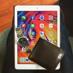 生活用品/写真好きと繋がりたい/Instagram/ライフスタイル/お気に入り/腕時計/... 財布と腕時計とiPad,Aer。 私のお…