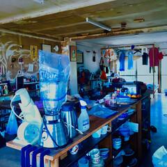 はじめてフォト投稿/にゃんこ同好会/LIMIA手作りし隊/ハンドメイド/DIY/ブルー/... ワンルームの部屋で右側に、くの字でつなが…