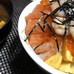 夜ご飯/海鮮丼 海鮮丼 2回目✨ やはり好きな物だけ😄
