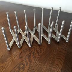 イケア/鍋ぶたオーガナイザー/組み立て/愛おしい/イケア効果 14本のスティックをネジネジして 作った…