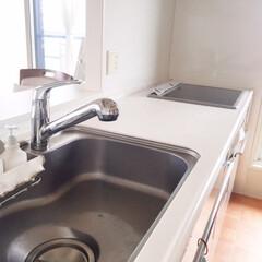 キッチン/シンク周り/モノを置かない/掃除がラク/スッキリ シンクの周りにモノを置かない。 なにより…
