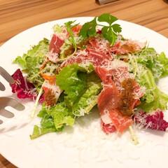 今日の美味しいモノ/イタリアン/生ハム/サラダ/チーズ 今日の美味しいモノ。 生ハムのサラダ。 …
