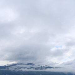 今日の空/山/雨/雲海/景色/天気 今日の空。 雨のお天気です。 山も雲に覆…