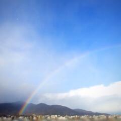 秋の一枚/景色/秋の空/秋 秋の一枚。 空に大きな虹。 雨が降ったり…(1枚目)