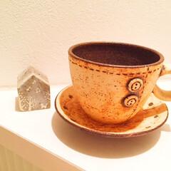 食器/コーヒーカップ/ボタン/ステッチ お気に入りのカップ。 ボタンのようなデザ…