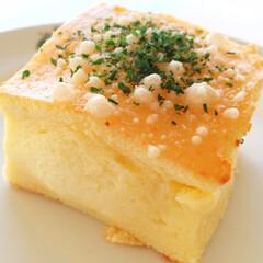 私のご飯/しあわせ/六花亭/ホットチーズケーキ/わたしのごはん 六花亭さんのホットチーズケーキ。 喫茶室…