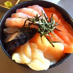 ピンクdeひな祭り/甘えび/サーモン/海鮮丼/ピンクのどんぶり/ピンク ピンクdeひな祭り! 甘えびにサーモン。…