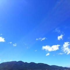 空/景色/風景/眩しい 今日の空。 晴れた空は気持ちがいいですね…(1枚目)