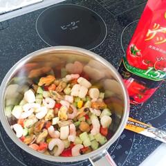お手軽/ミネストローネ/冷凍野菜ミックス/冷凍シーフードミックス/トマトジュース/コンソメスープの素/... お手軽ミネストローネの全貌。 冷凍のミッ…
