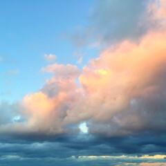 秋の一枚/秋の空/夕日/風景/秋 秋の一枚。 秋の空は、晴れたり雨になった…