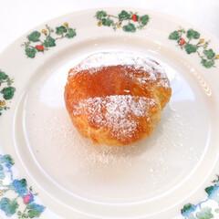 今日のデザート/六花亭/喫茶室/季節のお菓子/マロンパイ 今日のデザート。 六花亭の喫茶室でいただ…