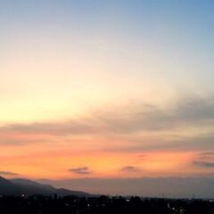 今日の夕焼け/景色/雲/織物 今日の夕焼け。 雲の流れがキレイでした。…(1枚目)