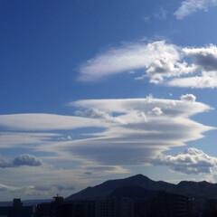 今日の空/雲/山/秋のひと時/天気/景色/... 今日の空。 面白い形の雲だったのでパチリ…