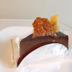 私のご飯/デザート/チョコレートケーキ/牛乳/コーヒー/わたしのごはん しあわせご飯。 デザートにチョコレートケ…