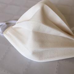 手作りマスク/不織布/ノーズワイヤー/使いやすい 手作りマスク。 不織布を表に使って 裏は…