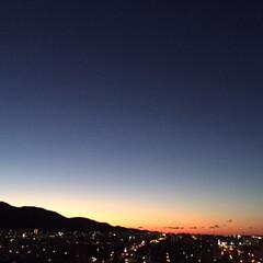 夕焼け/秋の空/風景/沈む夕日 昨日の夕焼けをパチリー☆ だんだん沈む位…
