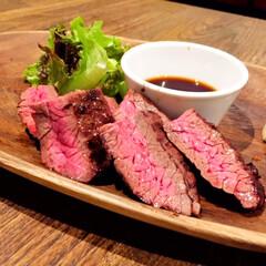 牛サガリ/ステーキ/山ワサビ/美味しい 牛サガリステーキ。 美味しく焼きあがって…
