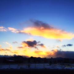 旅の景色/北海道/夕日/旅 夕日がきれいだったので。 雲に反射した夕…
