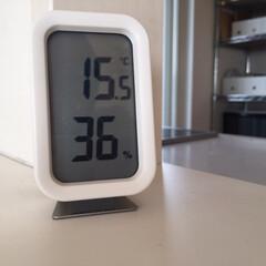 今日の室温/朝/15度/暖房/乾燥 今日の朝の室温です。 15度は寒いでしょ…
