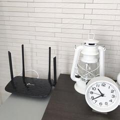 ネット環境/シンプルな暮らし/シンプルライフ/リビング/ルーター/暮らし 我が家のルーターです。 最近新しくしまし…