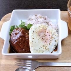 セブンイレブン/美味しい/栄養満点/雑穀米/ロコモコ丼/ランチ/... 今日のランチはロコモコ丼。 ハンバーグは…