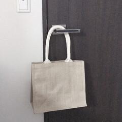 ジュートマイバッグ/収納方法/キッチン/シンプルライフ/シンプル/無印/... エプロンの収納は無印のジュートマイバッグ…