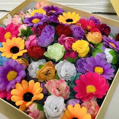 造花アレンジメント/おしゃれ メルカリさんで可愛すぎて 買い込んでしま…(1枚目)