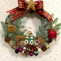 サラダ菜/菊/ムラサキシキブ/寄せ植え/ビオラ/シクラメン/... おはようございます☀  今日もクリスマス…
