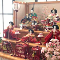 3月/リビングインテリア/窓枠DIY/リビング/ひな祭り/ひな人形/... ここ何年かはリビングの机にひな人形出して…(2枚目)
