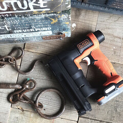 BDCB12U GoPak充電池 正規品 ブラックアンドデッカー | ブラック&デッカー(その他電動工具)を使ったクチコミ「ブラックアンドデッカーのタッカーネイラー…」