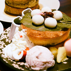 桜/喫茶店/甘党/おでかけ/スイーツ/フード/... 秋葉原で桜ホットケーキ🌸🥞🌸  http…