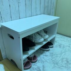 靴棚/簡単/雑貨/掃除/靴の収納/暮らし/... 普段使いの靴は、玄関の椅子兼用の靴棚に並…