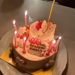 バースデーケーキ/お誕生日/暮らし 今日は娘のお誕生日🎉🎉🎉  お菓子のプロ…
