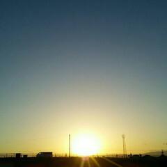 夕日 サンセット🎵  雲ひとつもないキレイな夕…(2枚目)